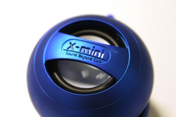 Oberseite des XMI X-mini II Lautsprecher in Blau